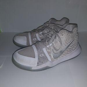 Nike Kyrie 3 White Chrome Preschool